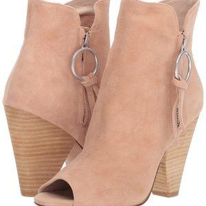 Kristin cavallari Richmond open toed bootie size 8